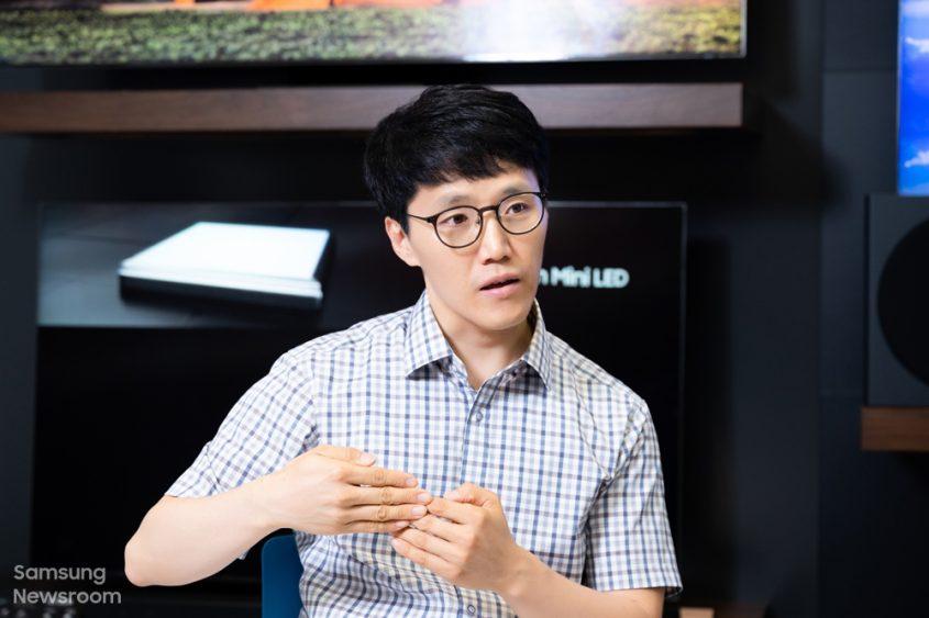 ▲ Мингё О из группы планирования продуктов подразделения визуальных дисплеев Samsung.
