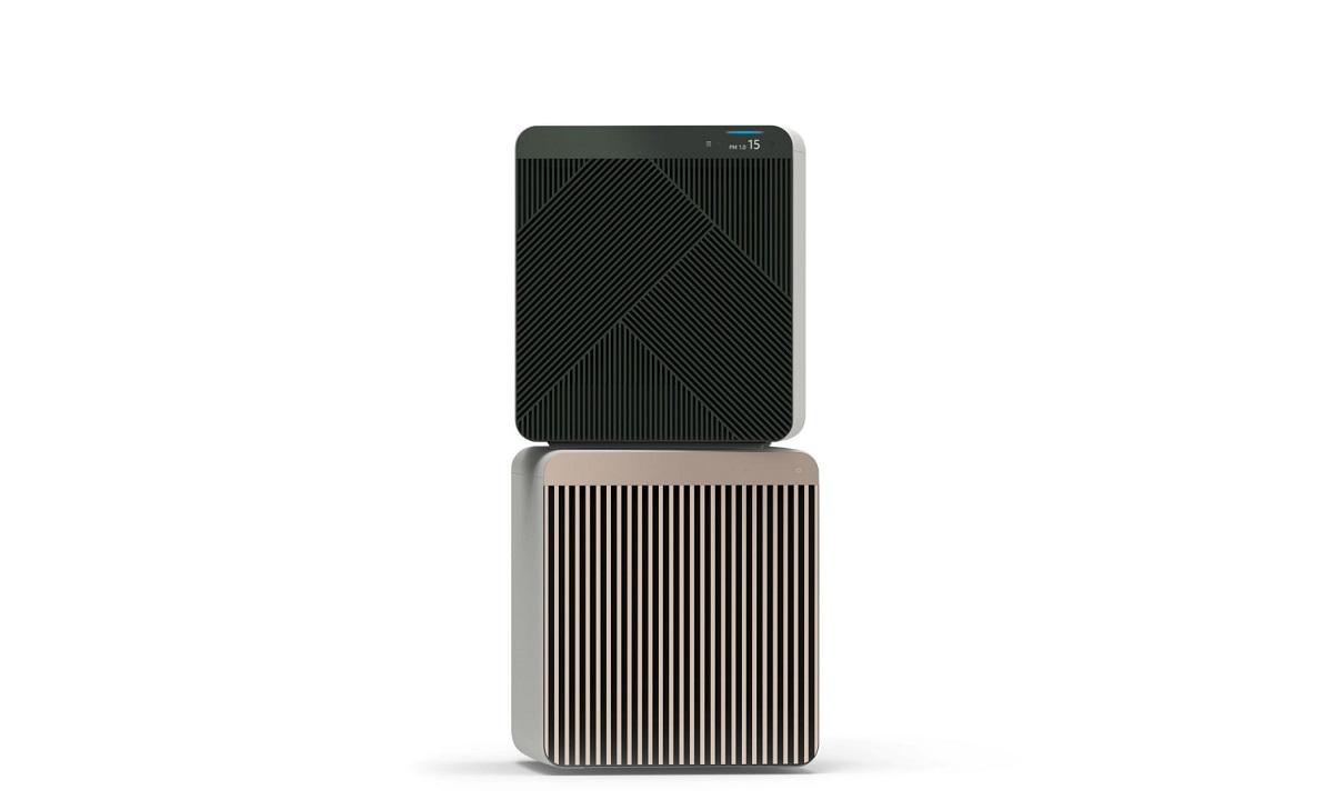 Очиститель воздуха Bespoke Cube ™ (AX9500N) с инновационной концепцией, позволяющей потребителям выбирать дизайн передней панели очистителя в соответствии с их стилем жизни.